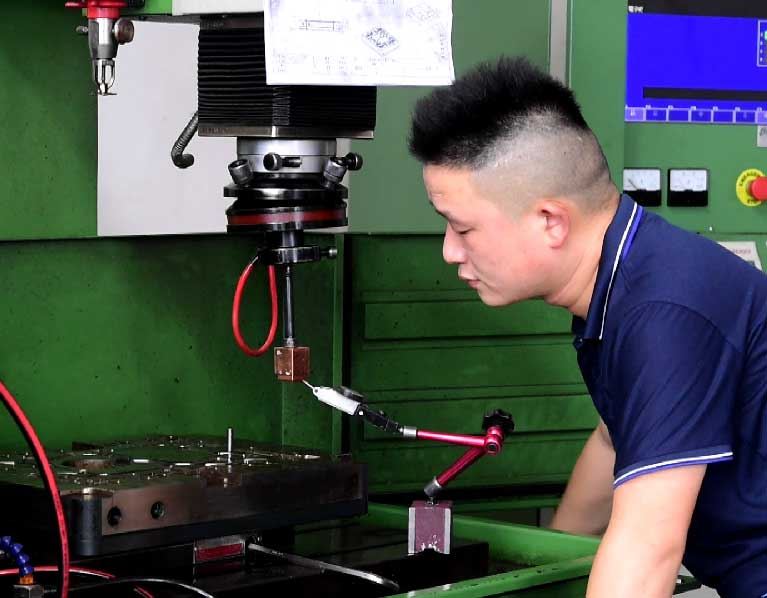Electric-Discharge-Machining-Die-Casting-Tooling