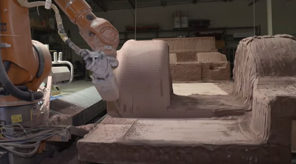 Machining Huge Mold With 7 Axis CNC Machining Robot