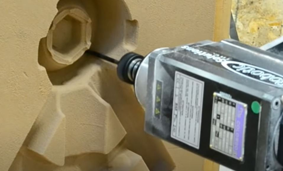 Precision Machining of a Sand Mold with 7 Axis CNC Machining Robot