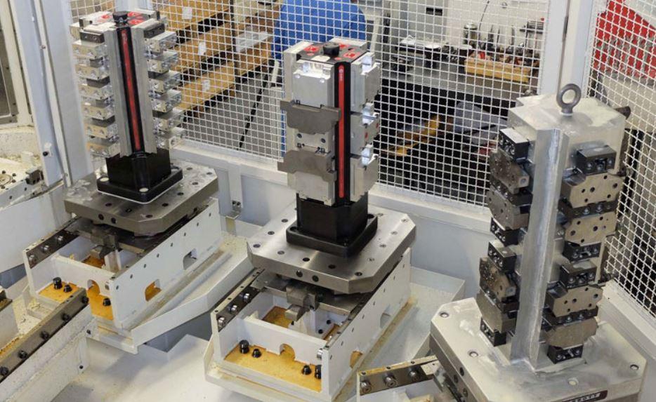 Tombstone of Horizontal CNC Machine